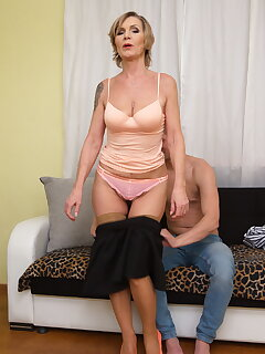 MILF Boy Porn Pictures